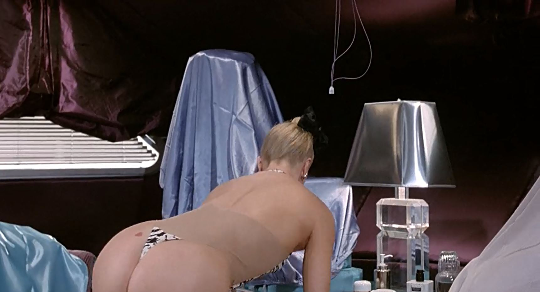 Overboard thong scene