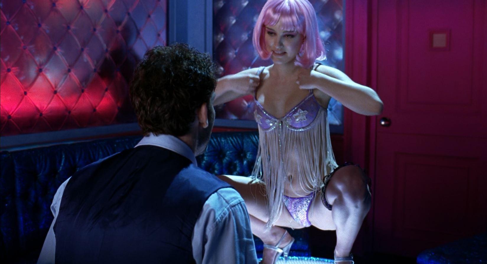Closer - Natalie Portman in a thong 3