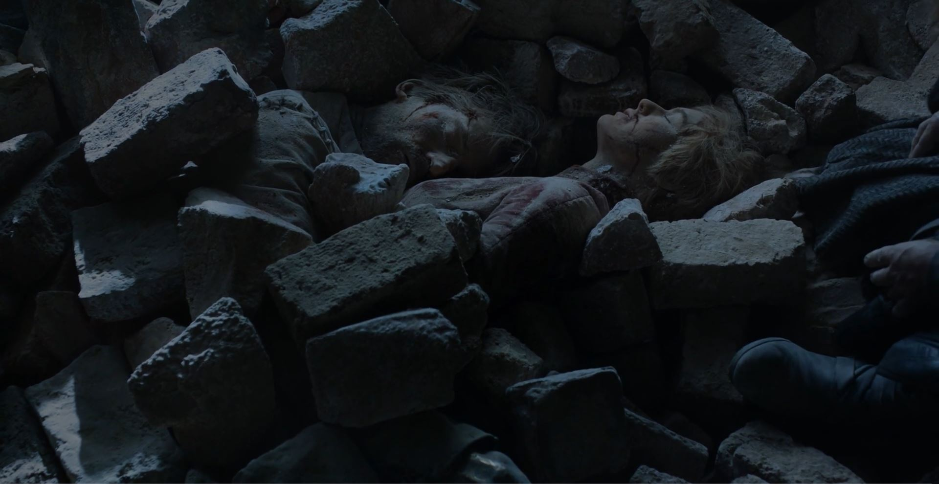 Game of Thrones S08E06 Review - Jaime and Cersei dead in rubble