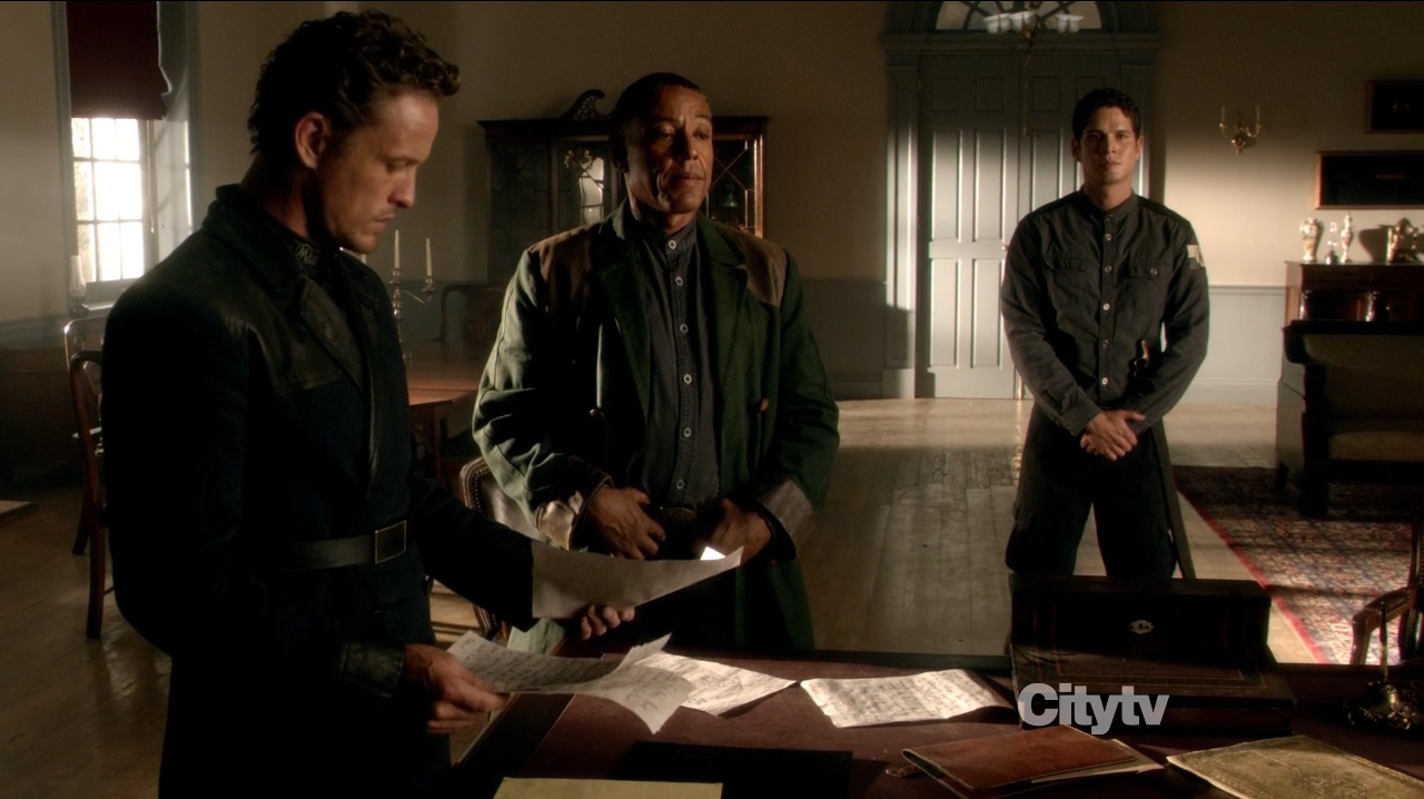 General Monroe (David Lyons) with Major Neville (Giancarlo Esposito)