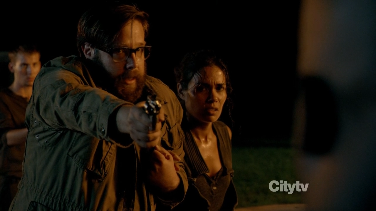 Zak Orth as Aaron shooting Drexler