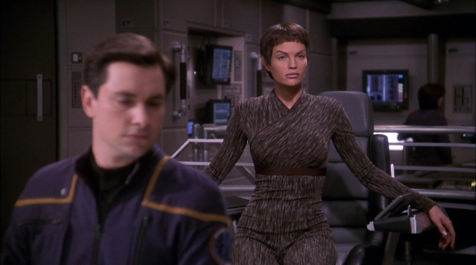 Jolene Blalock as T'Pol taking command of the Enterprise - Detention Star Trek Enterprise Season 1 Blu-ray Review