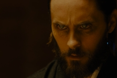 Jared-Leto-as-Niander-Wallace-observing-the-birth-of-a-replicant