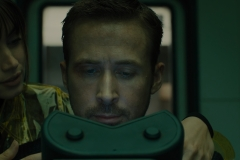 K-Ryan-Gosling-and-Joi-Ana-de-Armas-at-the-DNA-machine