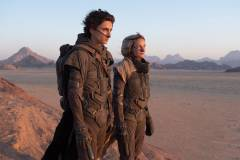 Dune-2020-Timothee-Chalamet-as-Paul-and-Rebecca-Ferguson-as-Lady-Jessica