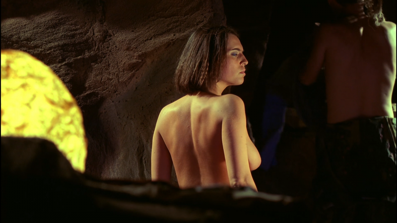 Frank-Herberts-Dune-Barbora-Kodetová-topless