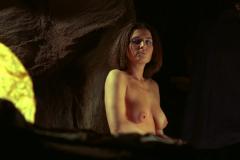 Frank-Herberts-Dune-Barbora-Kodetová-topless-4