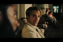 Robert-Pattinson-as-Neil-in-Tenet