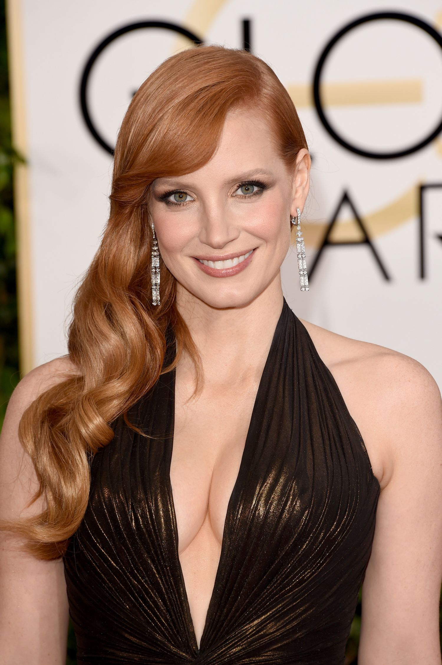 Jessica-Chastain-cleavage-in-The-Martian