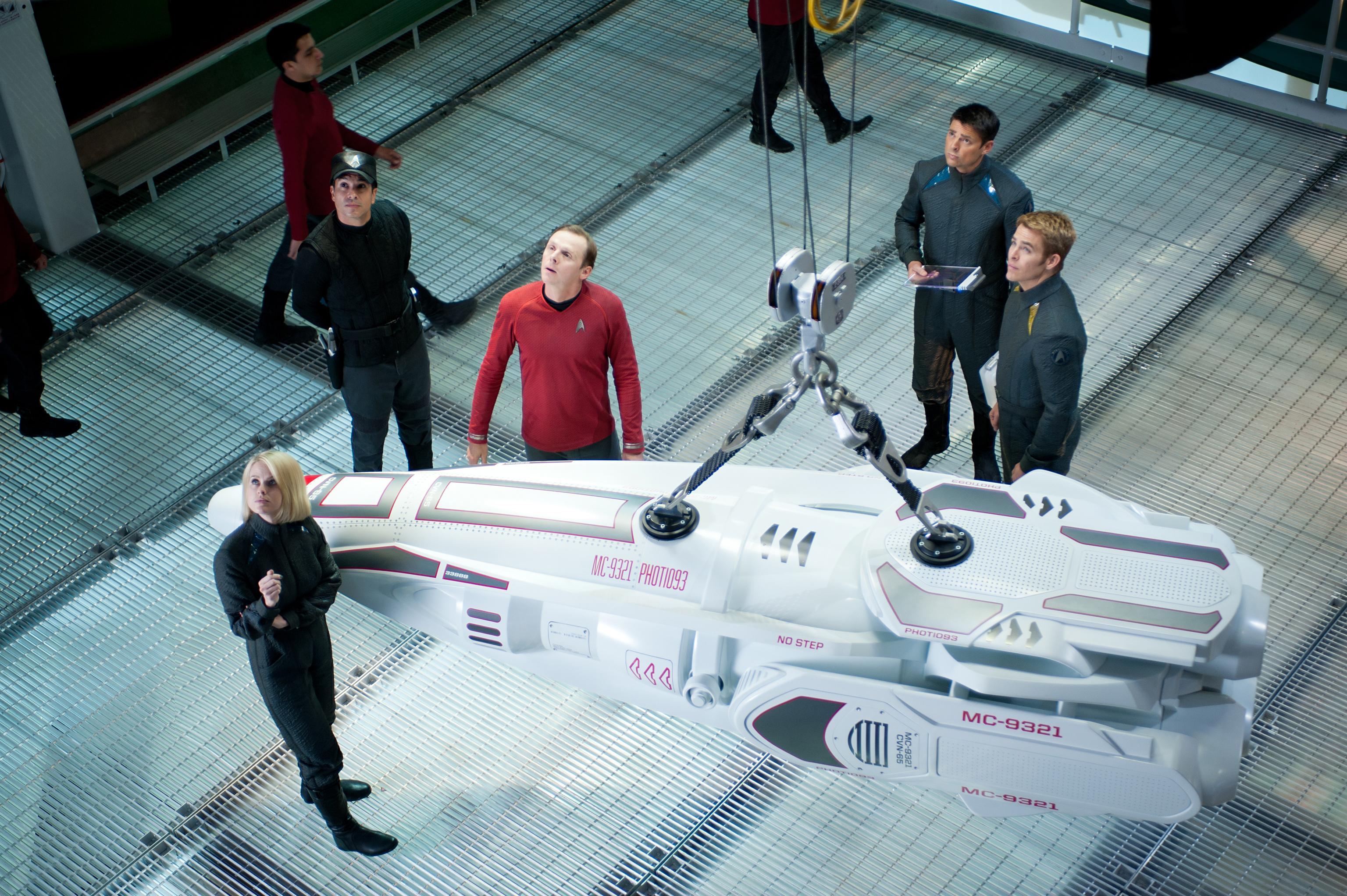 STAR TREK INTO DARKNESS cast wth torpedo