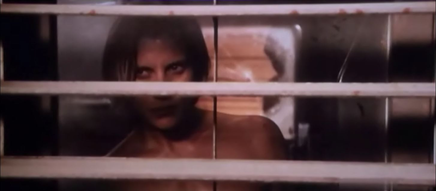 Katee Sackhoff naked in front of a window - Riddick 3