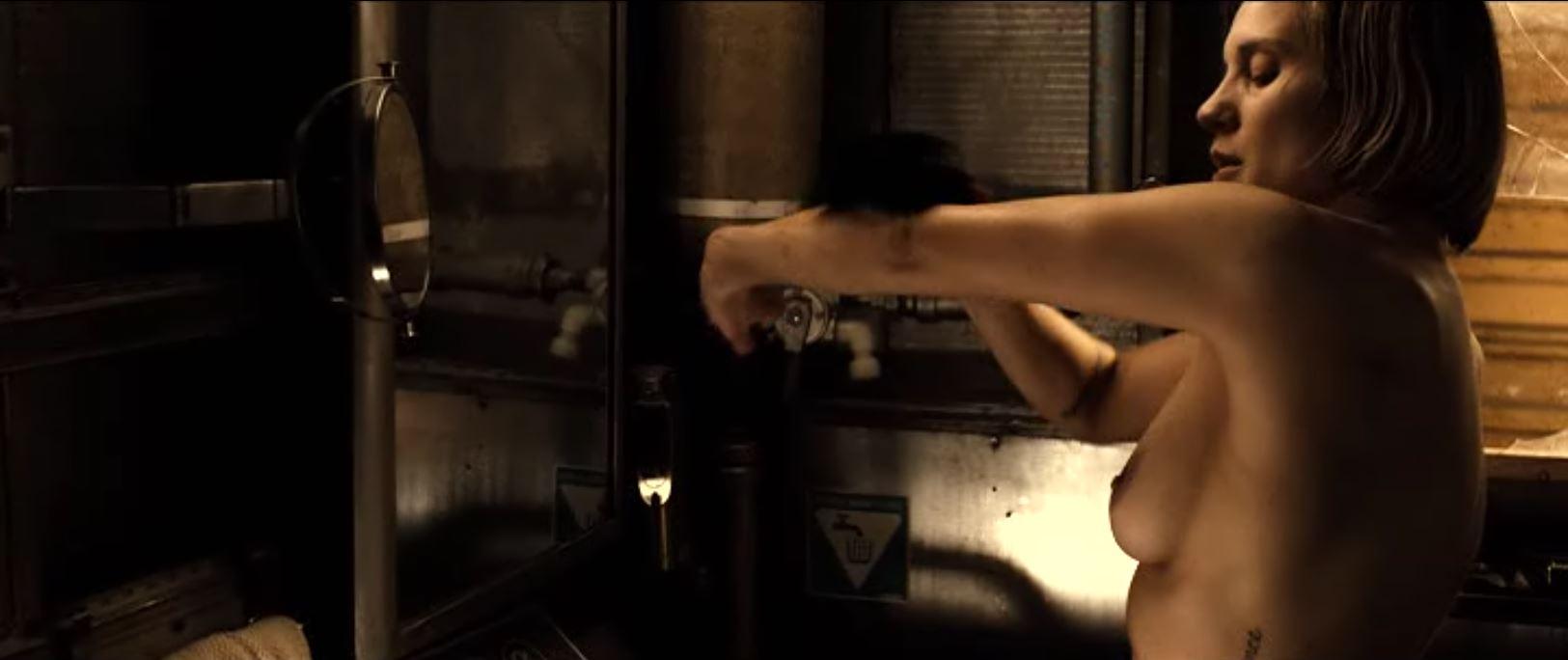 Katee Sackhoff nude topless in Riddick