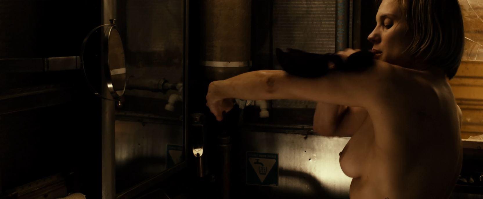 Katee Sackhoff topless in Riddick