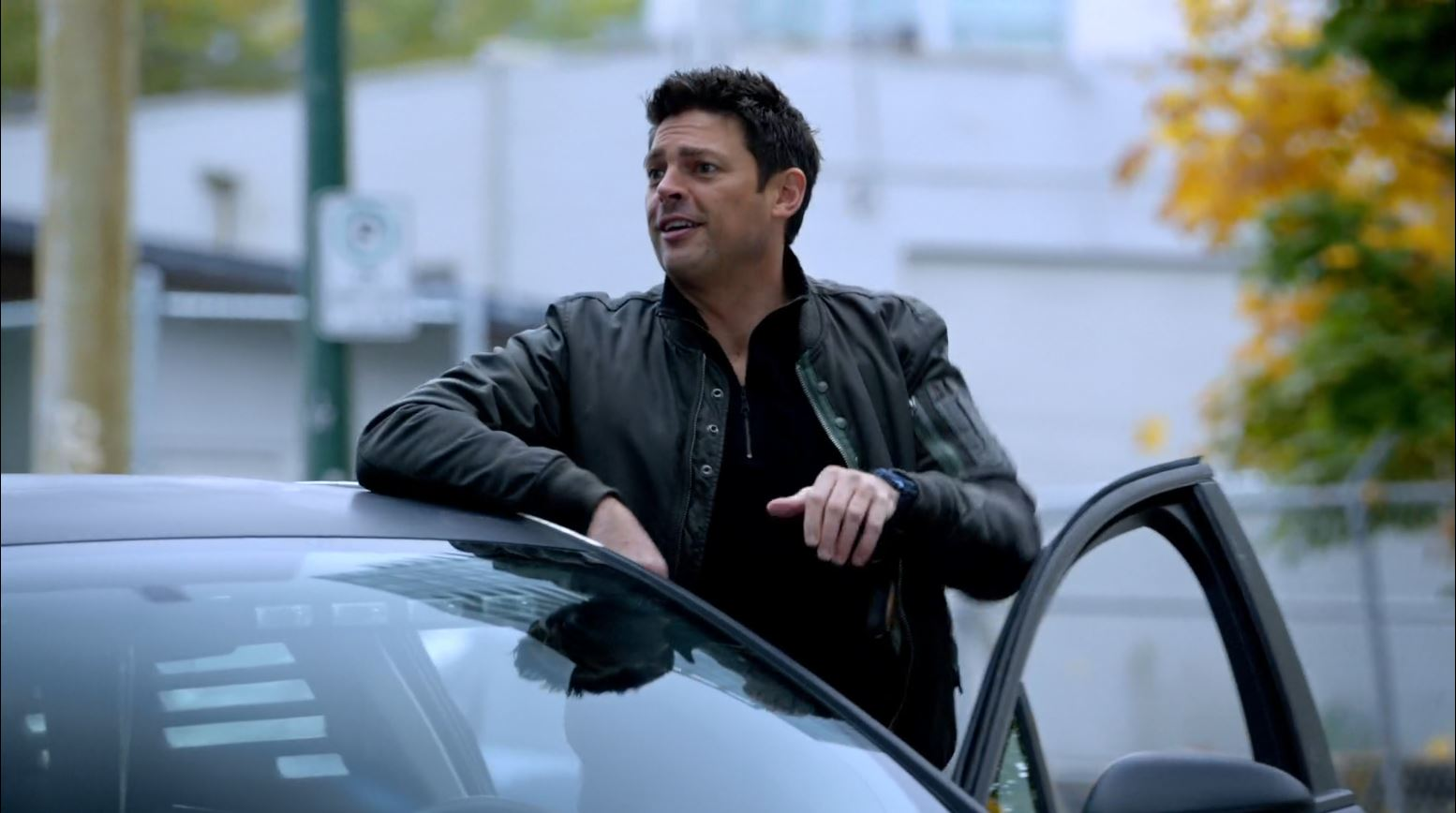 Almost Human - Kennex (Karl Urban) questions why the chief witness would go for a walk