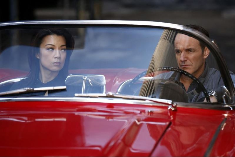 Agents of SHIELD - Seeds - Coulson driving Lola with May