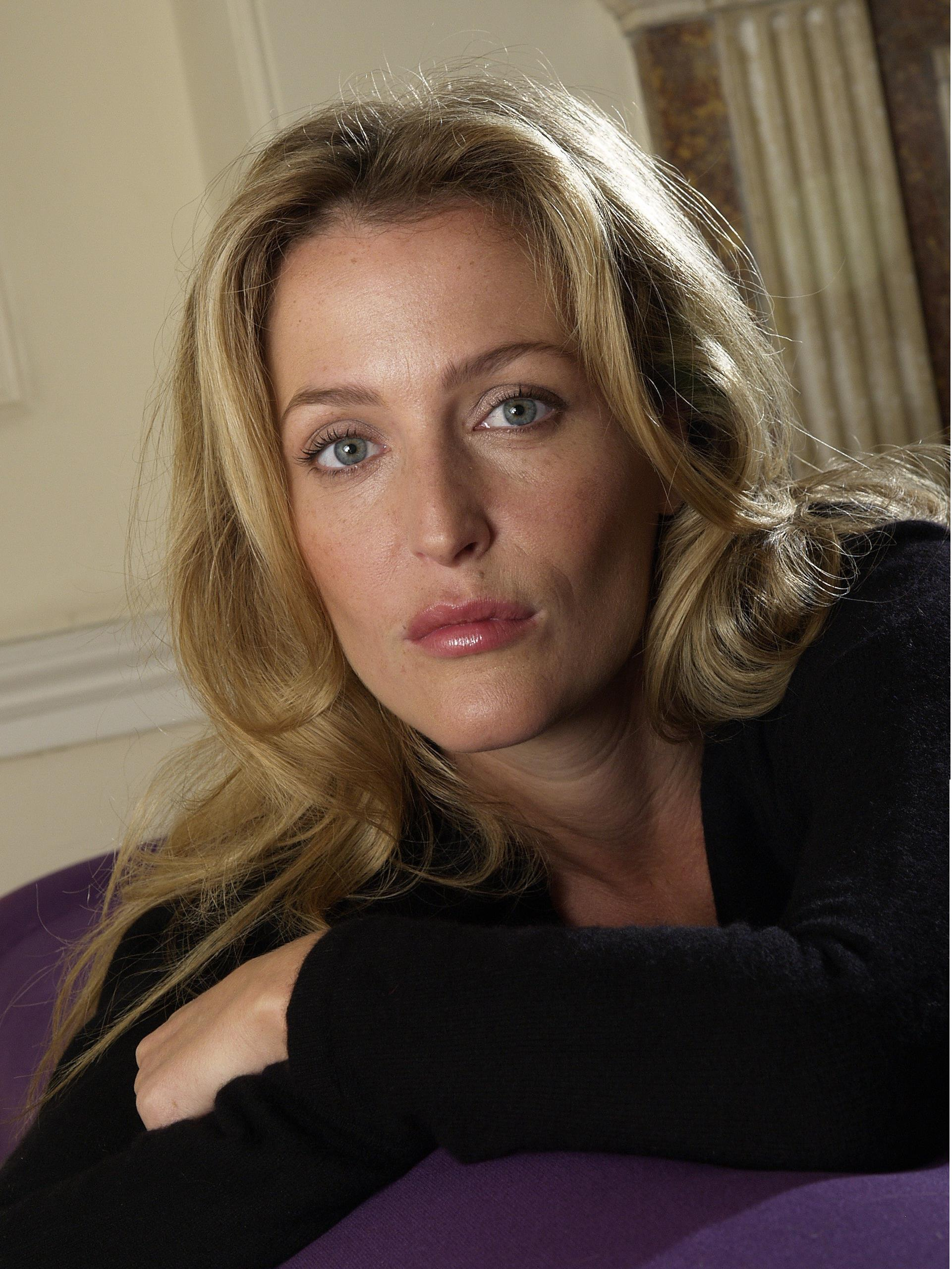 Gillian Anderson - Blonde hair The X-files