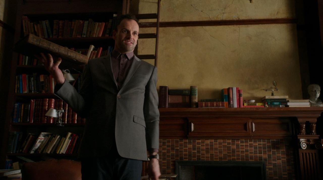 Elementary S2E19 The Many Mouths of Aaron Colville - Jonny Lee Miller as Sherlock Holmes