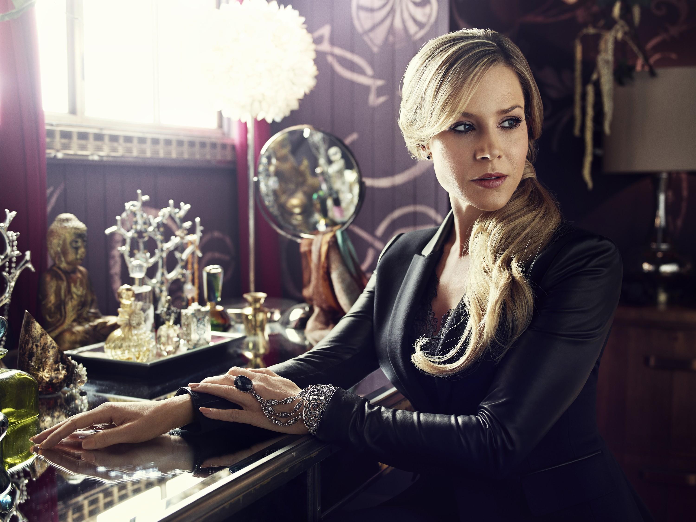 Defiance Season 2 - Julie Benz as Amanda Rosewater hot