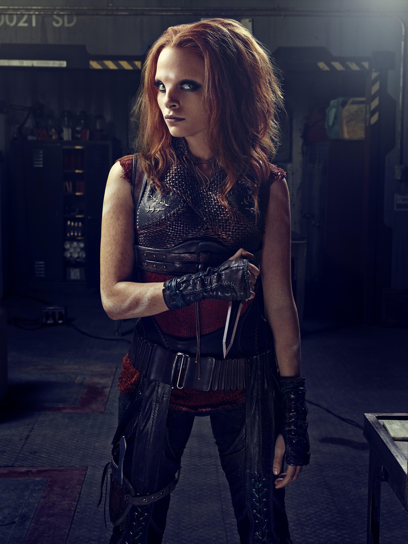 Defiance Season 2 - Stephanie Leonidas as Irisa Nyira  with a knife