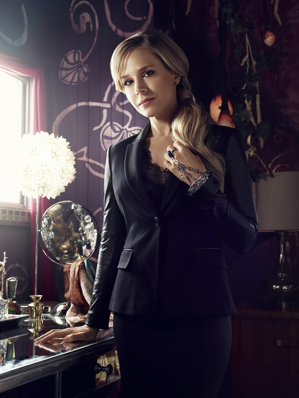 Defiance Season 2 - Julie Benz as Amanda Rosewater