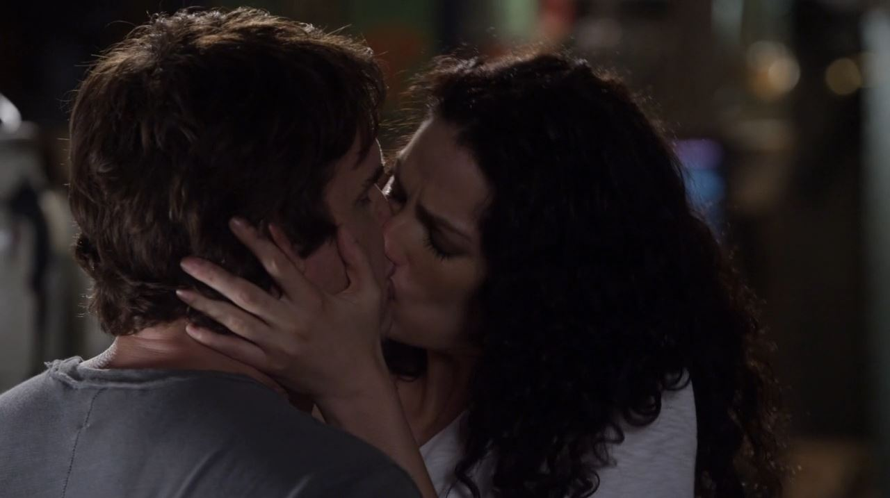 Warehouse 13 series finale Endless - Myka and Pete kissing