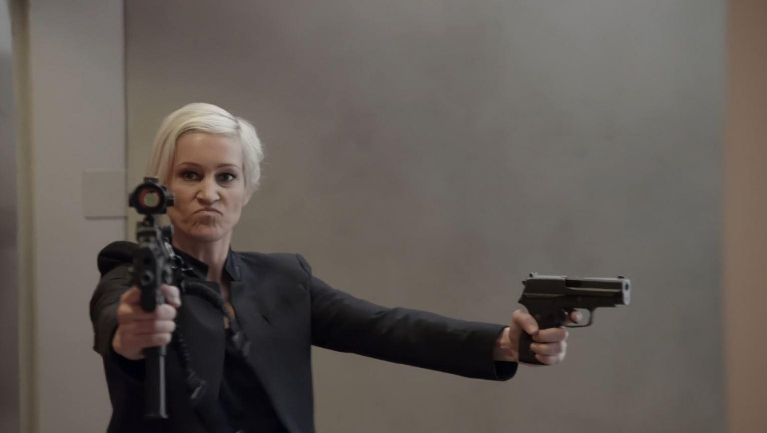 Continuum Season 3 Finale Last Minute Review - Luvia Petersen as Garza wielding two guns