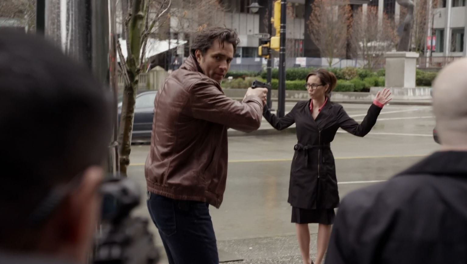 Continuum Season 3 Finale Last Minute Review - Sonya being arrested by Carlos