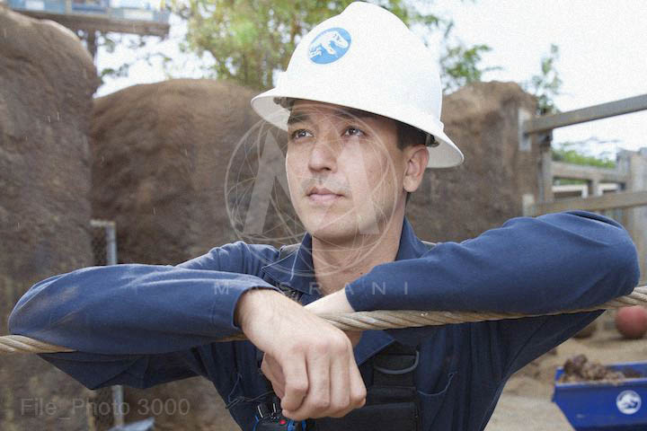 Jurassris World excavator Jurassic World opens website with countdown clock and photos