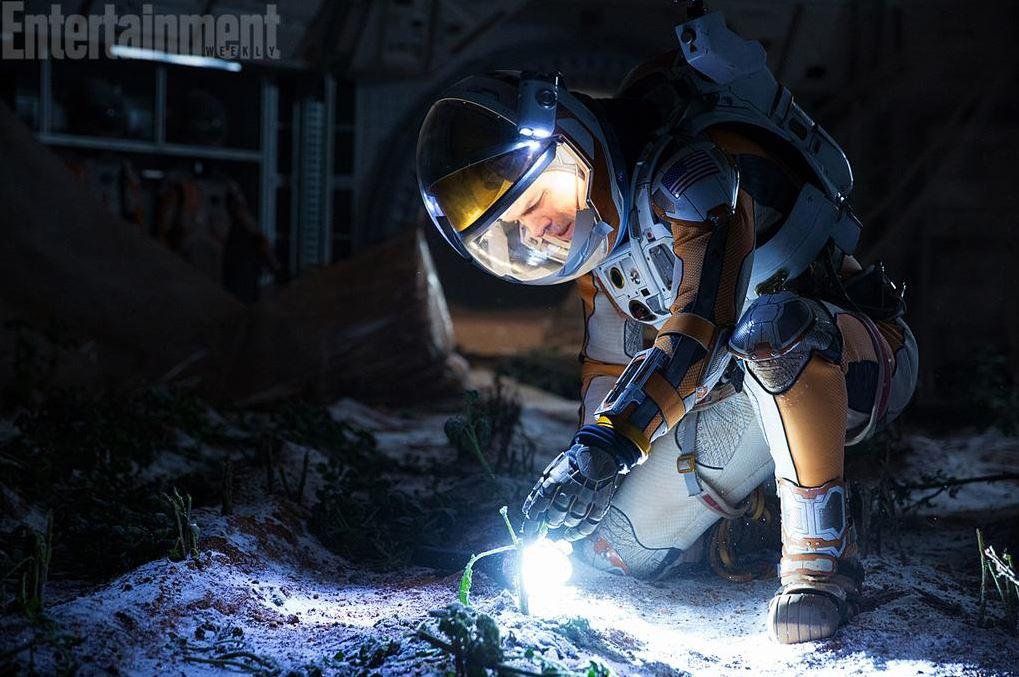 Growing Potatoes on Mars. Matt Damon. The Martian first on-set pictures.