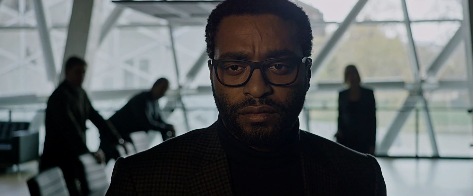 Chiwetel Ejiofor as Venkat Kapoor in The Martian trailer