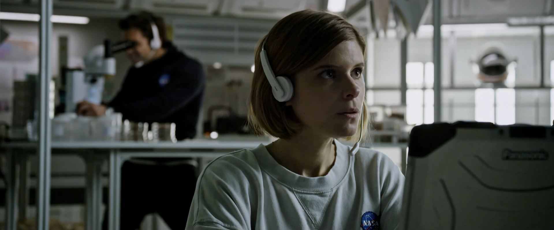Kate Mara as Beth Johanssen in The Martian