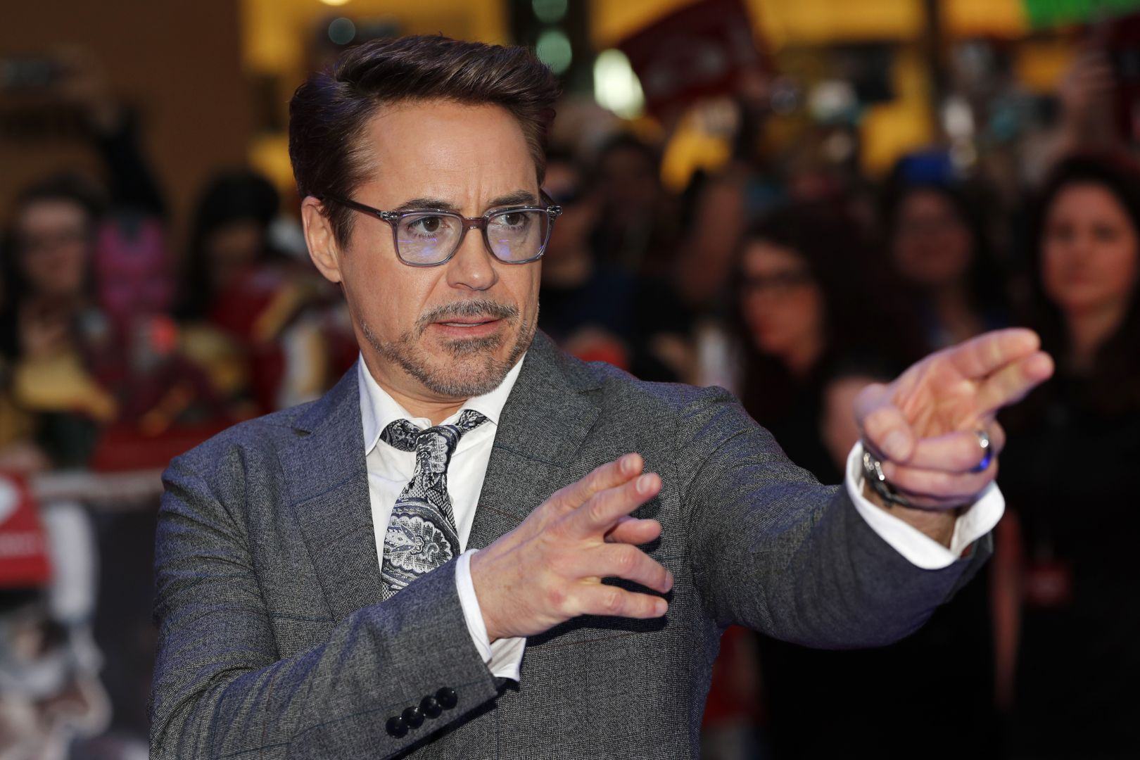 Robert downey Jr. at Captain America Civil War premiere.