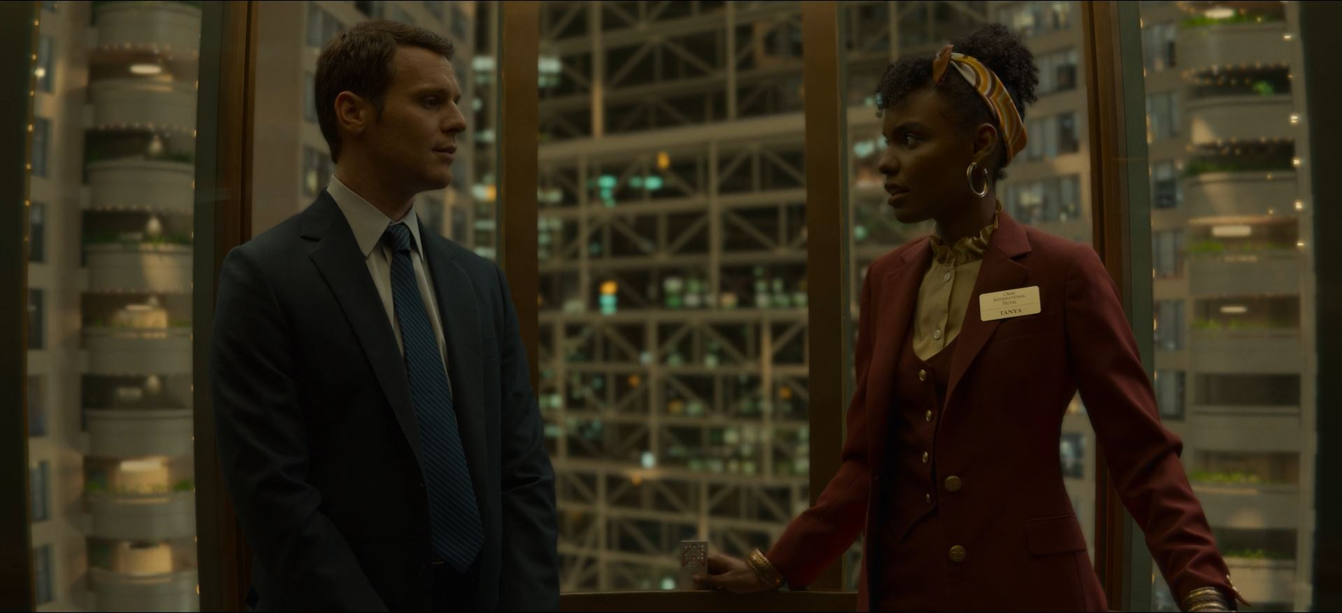 Mindhunter Season 2 Review - Jonathan Groff as Holden Ford