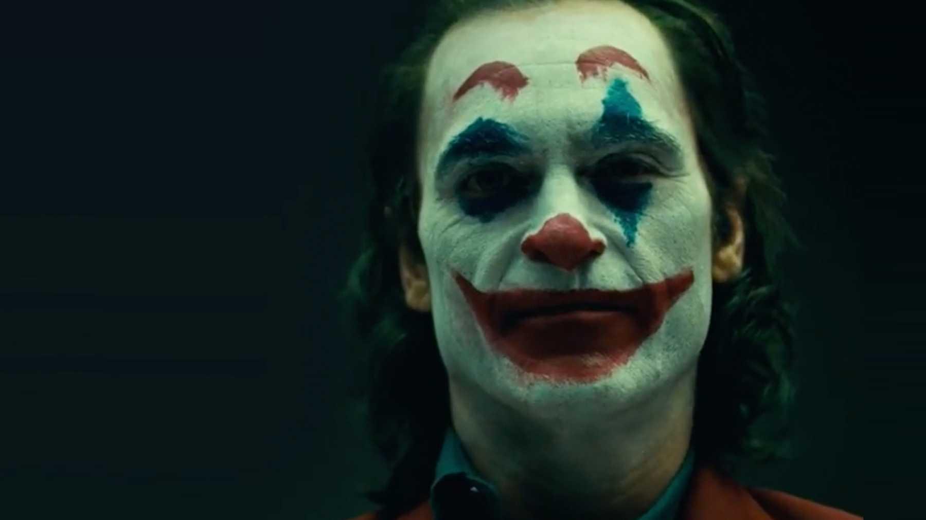 Joker Review - Joaquin Phoenix as the titular character