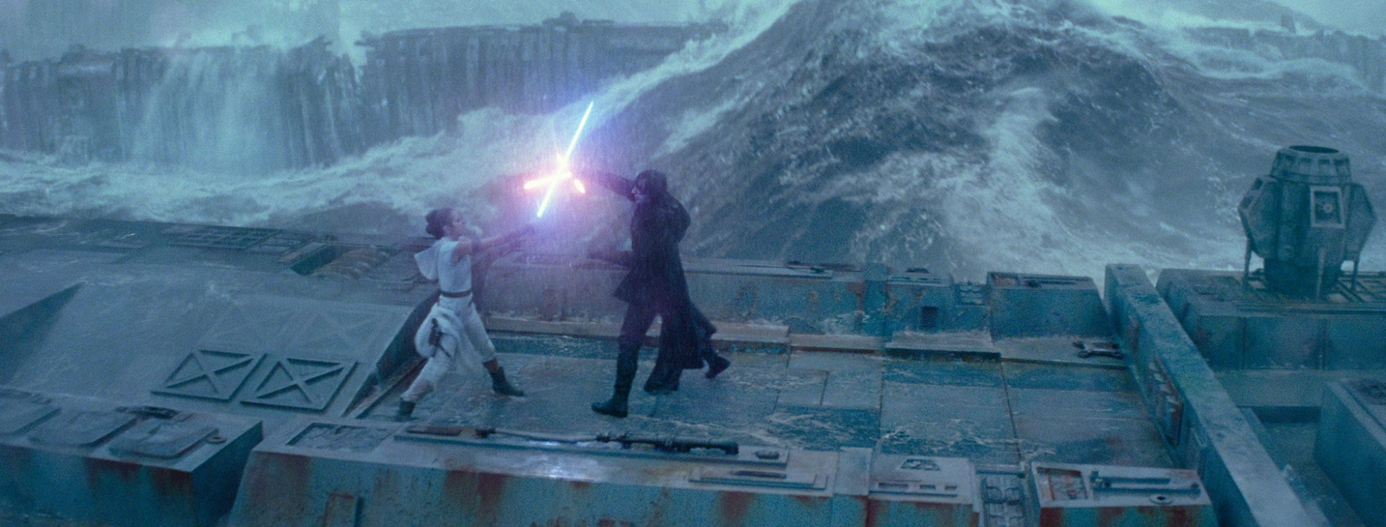 The Rise of Skywalker - duel on the Death Star 2 ruins