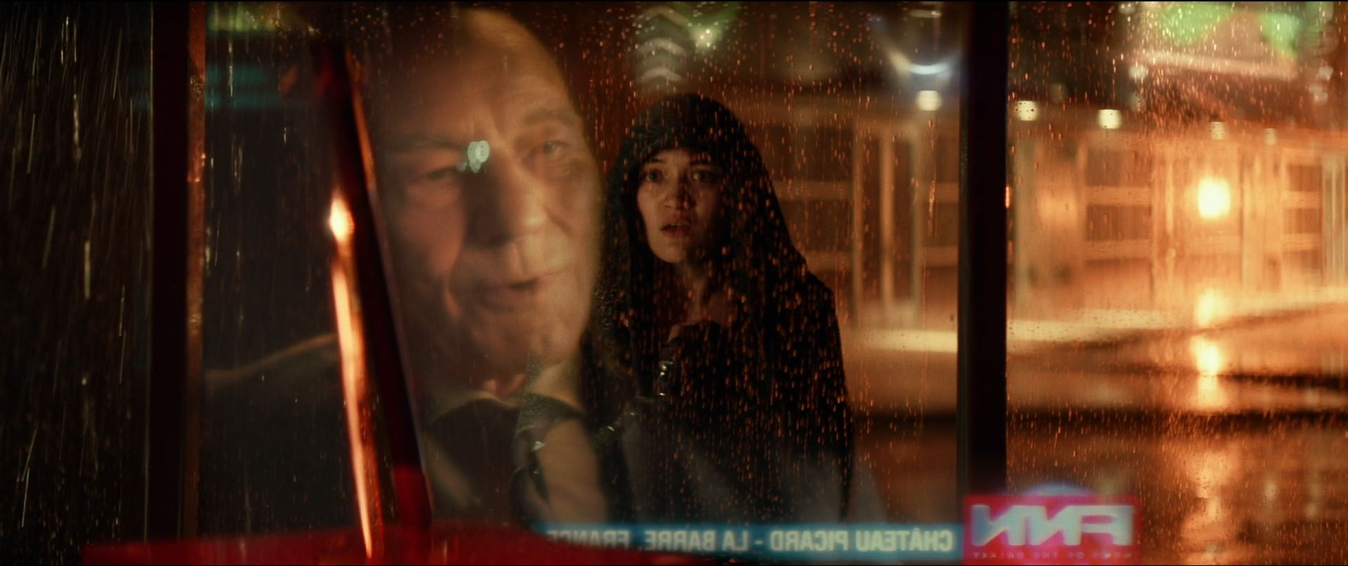 Star Trek Picard - Dasj watches Picard giving an interview