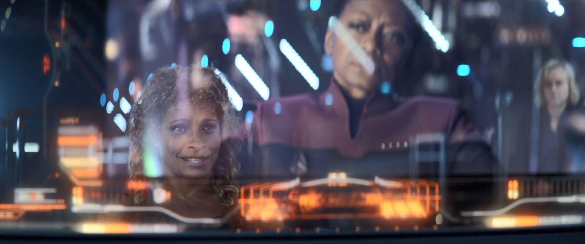 Star Trek Picard S01E06 Review - Rafi obtaining credentials