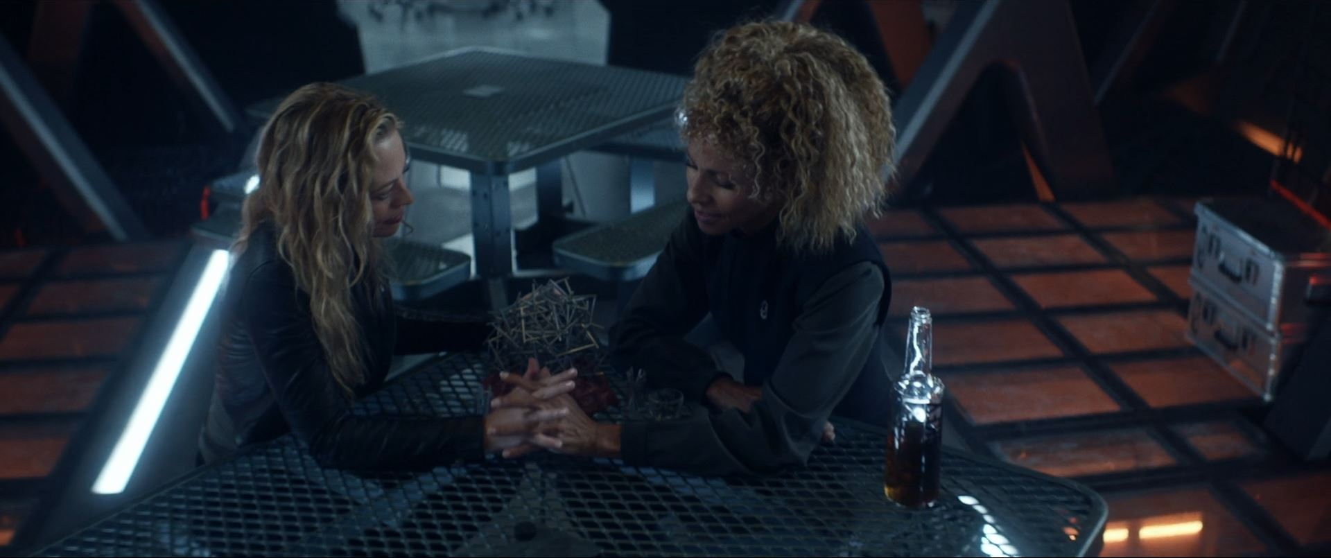 Star Trek Picard S01E10 Et in Arcadia Ego Part 2 Review - Seven and Rafi holding hands